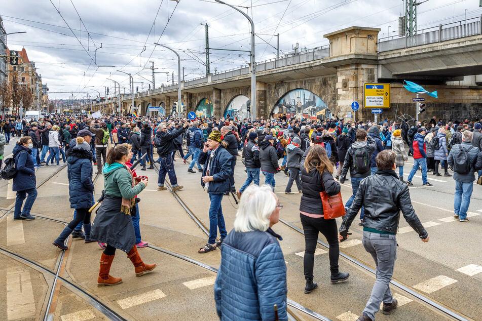 Bilder wie diese vom 13. März sollen sich in Dresden nicht wiederholen.