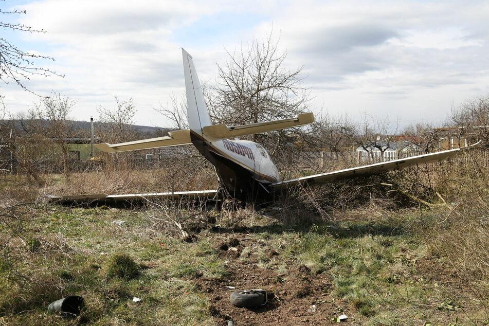 Ein Pilot musste am Montag sein Kleinflugzeug in einer Gartensparte in Gotha notlanden.