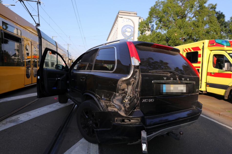 Der Volvo hatte einen Blechschaden.