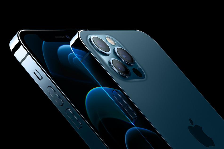 Dieses von Apple zur Verfügung gestellte Foto zeigt das iPhone 12 Pro, das zusammen mit dem iPhone 12 Pro Max von dem Unternehmen vorgestellt wurde.