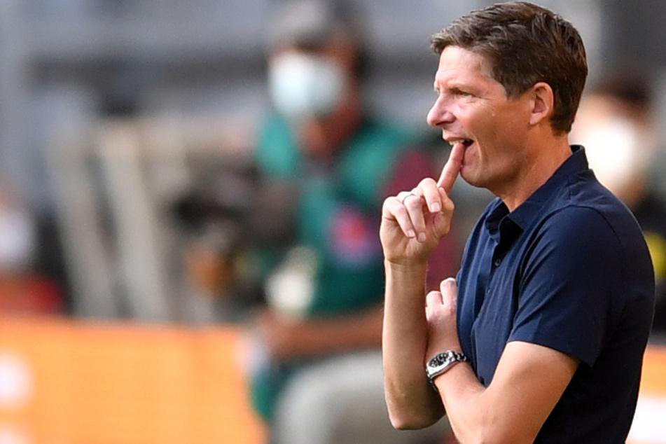 Oliver Glasner (47) wird beim Europa-League-Auftakt von Eintracht Frankfurt gegen Fenerbahce Istanbul nicht an der Seitenlinie stehen. Der Grund ist eine Sperre aus Wolfsburger Zeiten.