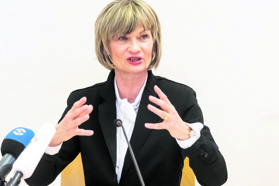 Krisenerprobt: Barbara Ludwig (58, SPD) bleibt im Amt und führt die politischen Geschicke von Chemnitz über den Sommer hinaus.