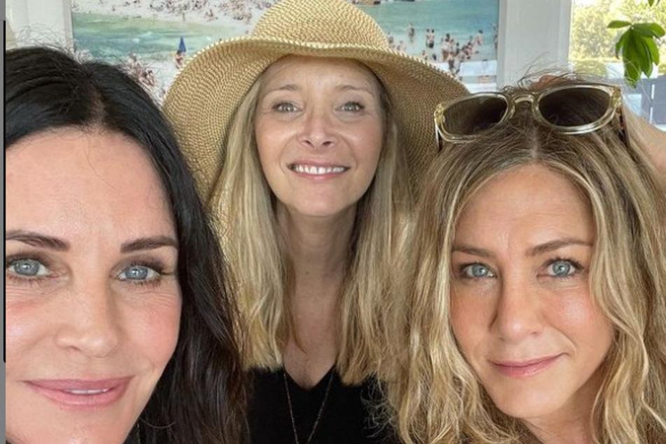 #Bestiegoals: Jennifer Aniston reunited with her Friends costars for some weekend fun