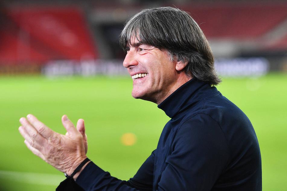 Freut sich schon auf seinen ID.3: Fußball-Bundestrainer Jogi Löw (60).