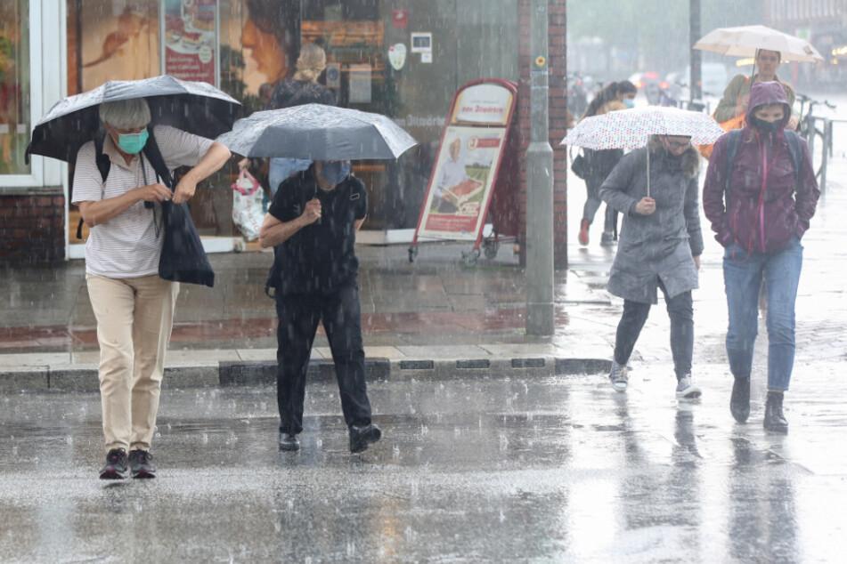 Unwetter im Norden: Blitzeinschläge, Überschwemmungen und Verletzte