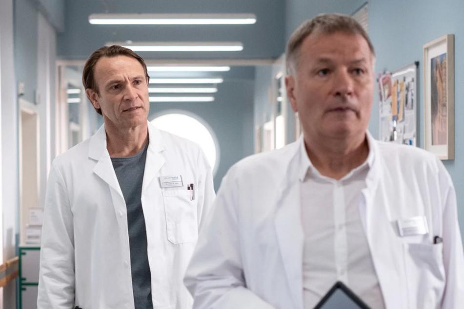 Dr. Martin Stein und Dr. Roland Heilmann verbindet eigentlich eine gute Freundschaft, die allerdings auf die Probe gestellt wird.