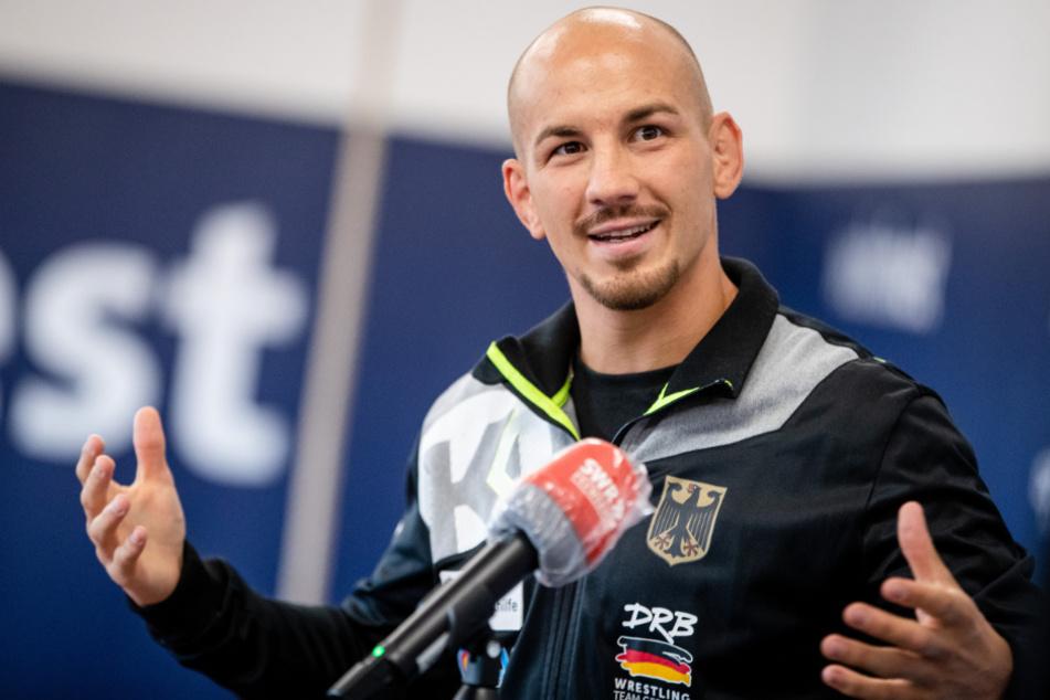 Dreifach-Ringer-Weltmeister Frank Stäbler (31) spricht bei einer Pressekonferenz über seinen Fahrplan für die Olympischen Spiele in Japan.