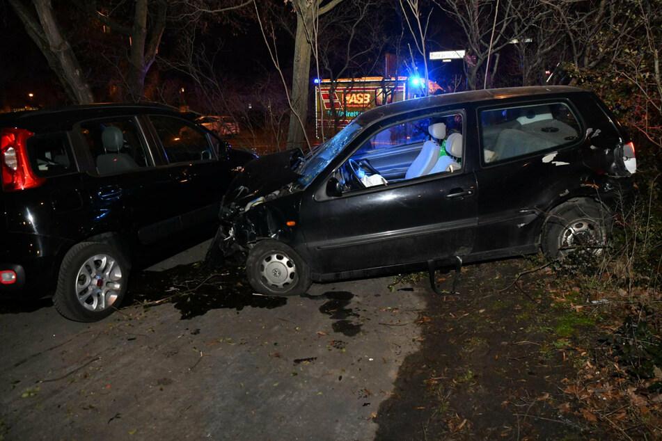 Der schwer verletzte Beifahrer war von Passanten am späten Montagabend in Berlin-Fennpfuhl gefunden worden,
