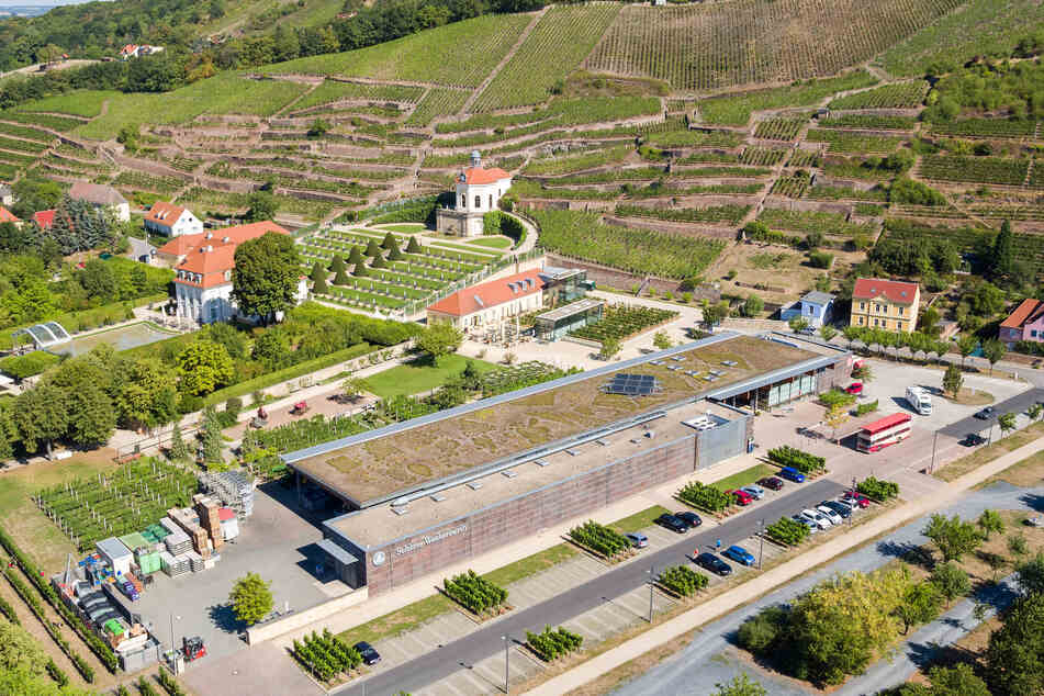 """""""Schloss Wackerbarth"""" mit einer Drohne aufgenommen. (Archivbild)"""