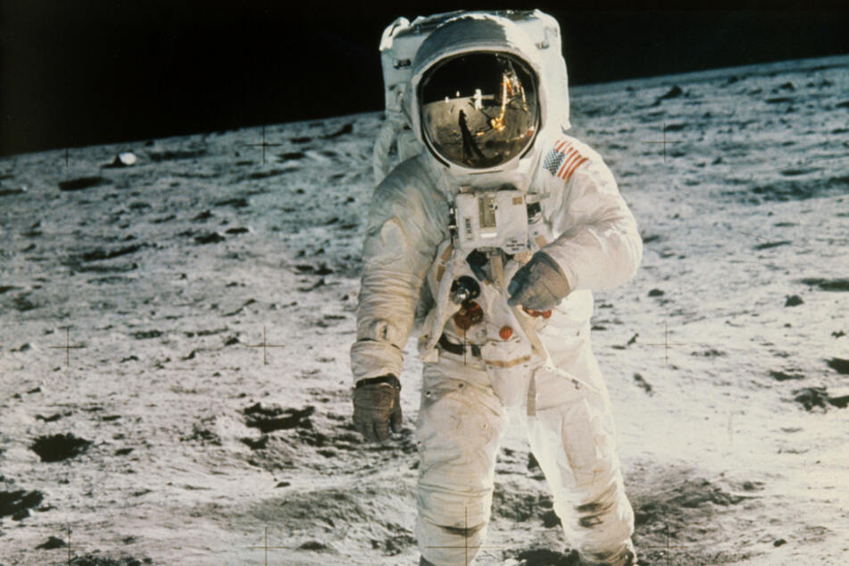 "The astronauts Edwin ""Buzz"" Aldrin and Neil Armstrong were the first men on the moon."
