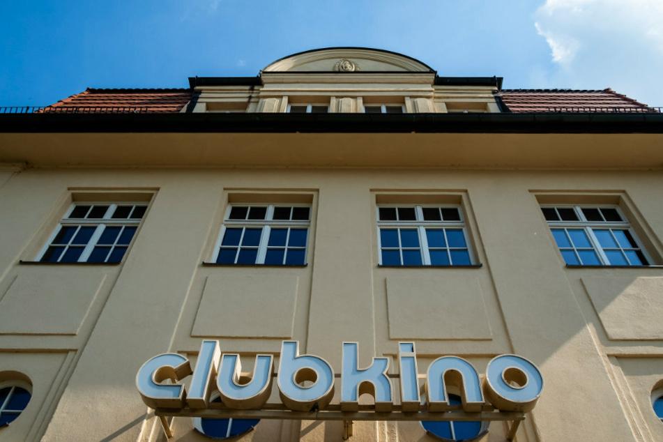 Das Clubkino Siegmar beteiligte sich am Autokino an der Messe und hält seine Besucher über Internet und Telefon auf dem Laufenden.