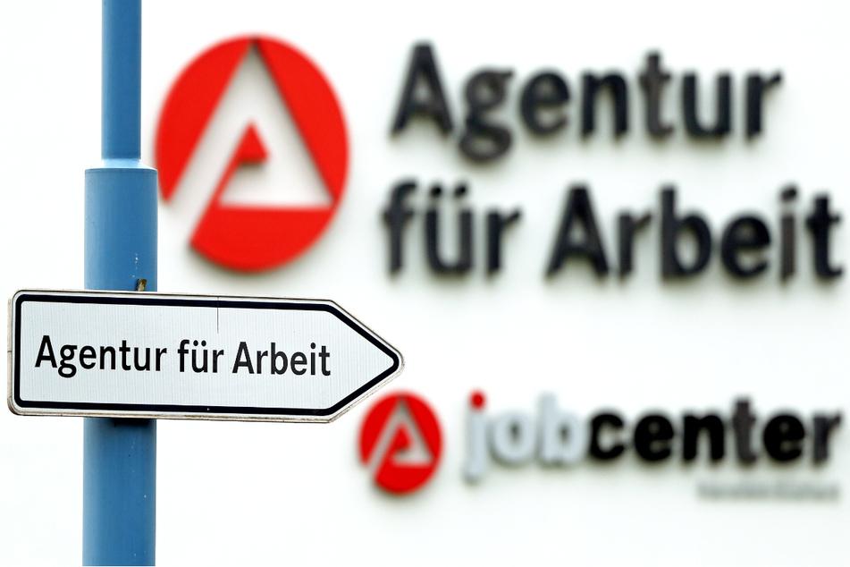 Die Zahl der Arbeitslosen stieg im Vergleich zum Vormonat im Freistaat Bayern um 3288 auf 253.108. (Symbolbild)