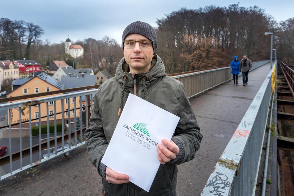 """Ivo Partschefeld (42) vom Verein """"Sachsens Wege"""" will möglichst viele Wege vor einer Privatisierung retten."""