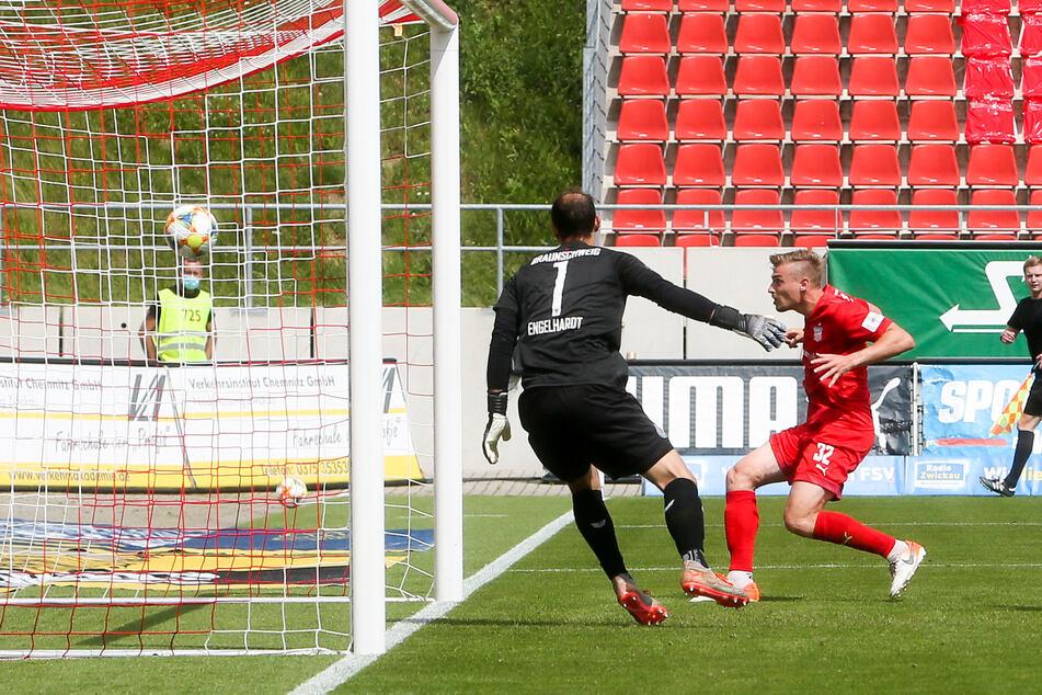 Der Treffer zum 1:1 gegen Braunschweig war einer der wichtigsten von Elias Huth für den FSV.