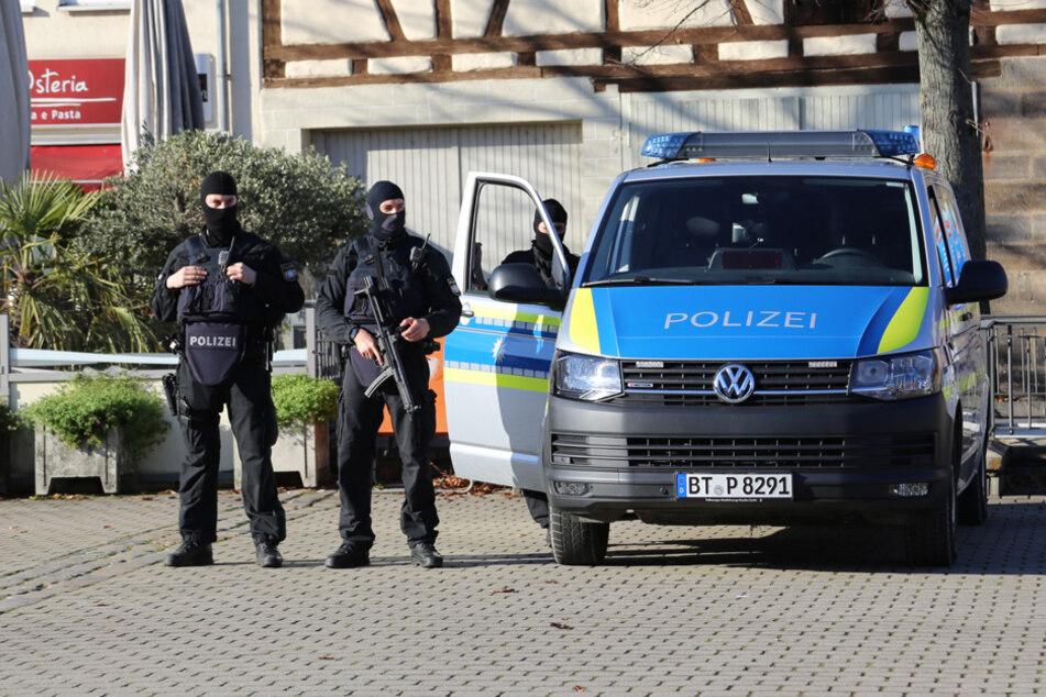 Auch die Spezialeinsatzkräfte der Polizei waren wegen des 14-Jährigen im Einsatz.