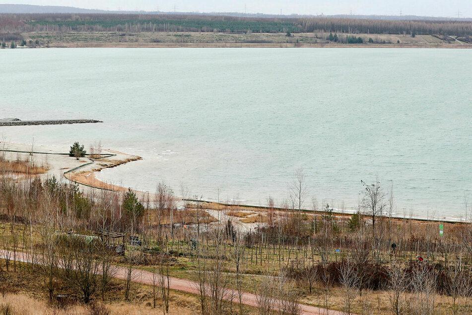 Auf dem Störmthaler See ist am Mittwochnachmittag ein Boot gekentert. (Archivbild)