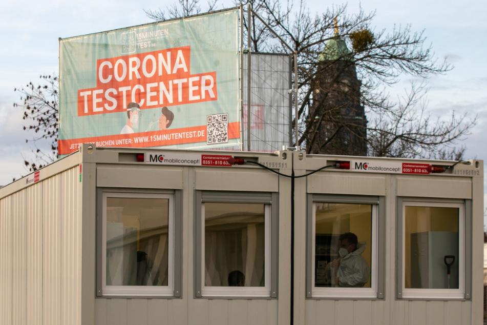 Das Corona-Testcenter befindet sich hinter dem Hygienemuseum.