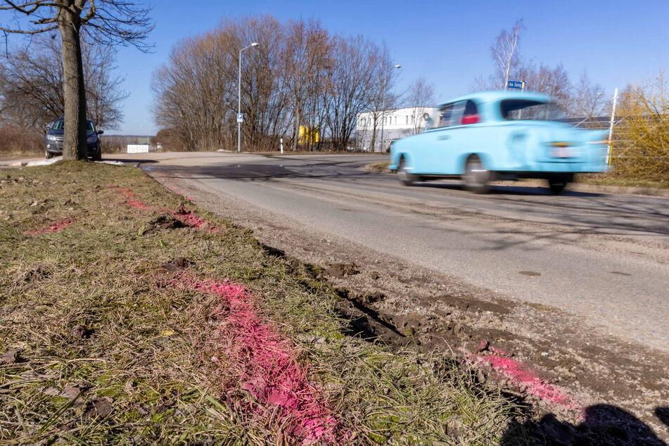 Chemnitz: 15-jähriger Mopedfahrer kommt bei Unfall ums Leben: Polizei sucht Zeugen