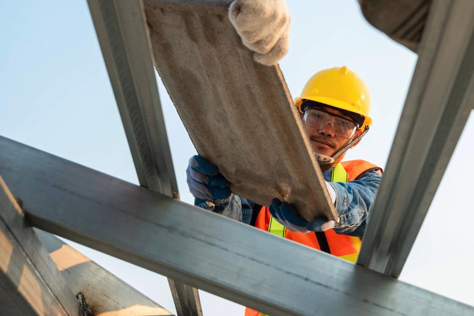 Höherer Mindestlohn: Chemnitzer Dachdecker kriegen was obendrauf