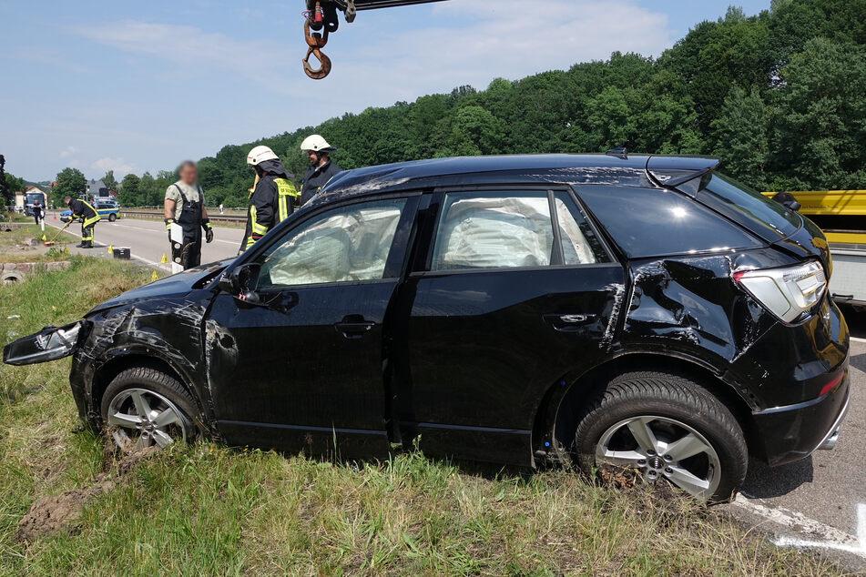 Der Audi landete am Straßenrand.