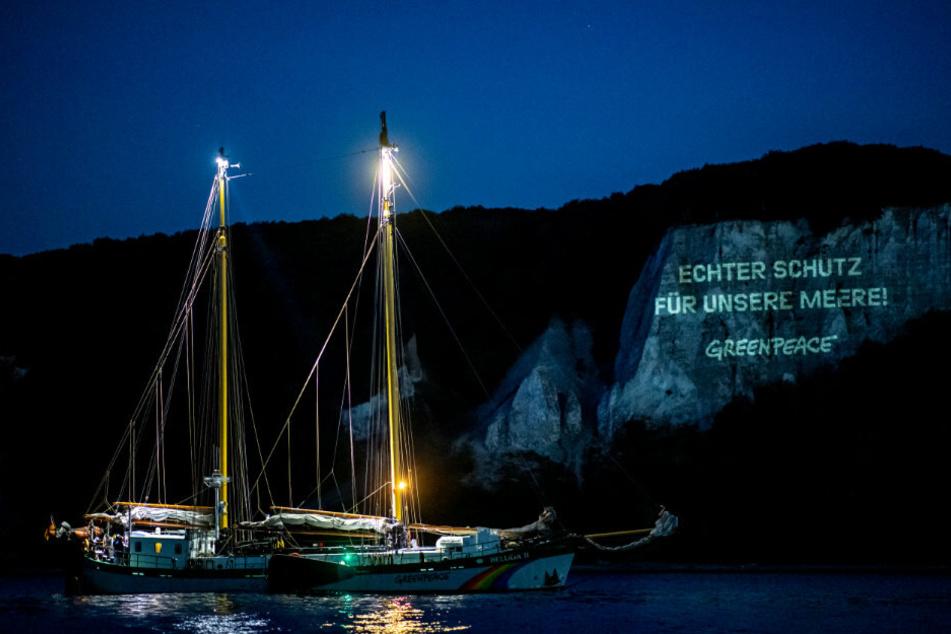 Greenpeace setzt auf Rügen mit Mega-Aktion Zeichen für Meeresschutz