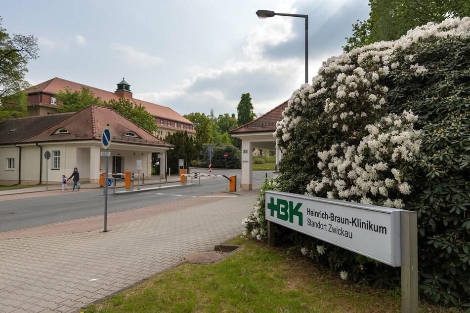 Im Heinrich-Braun-Klinikum haben sich Patienten und Mitarbeiter mit dem Corona-Virus infiziert.