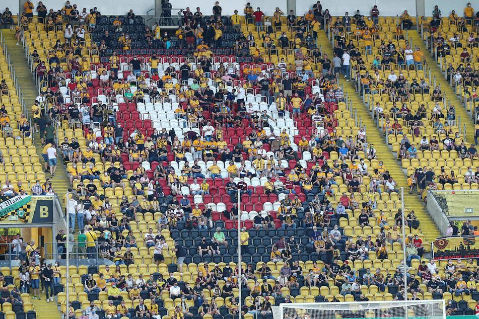 10.053 Zuschauer verfolgten den Pokaltriumph im Rudolf-Harbig-Stadion.