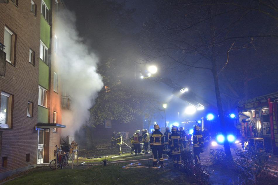 Explosion in Mehrfamilienhaus: Ein Toter, mehrere Verletzte