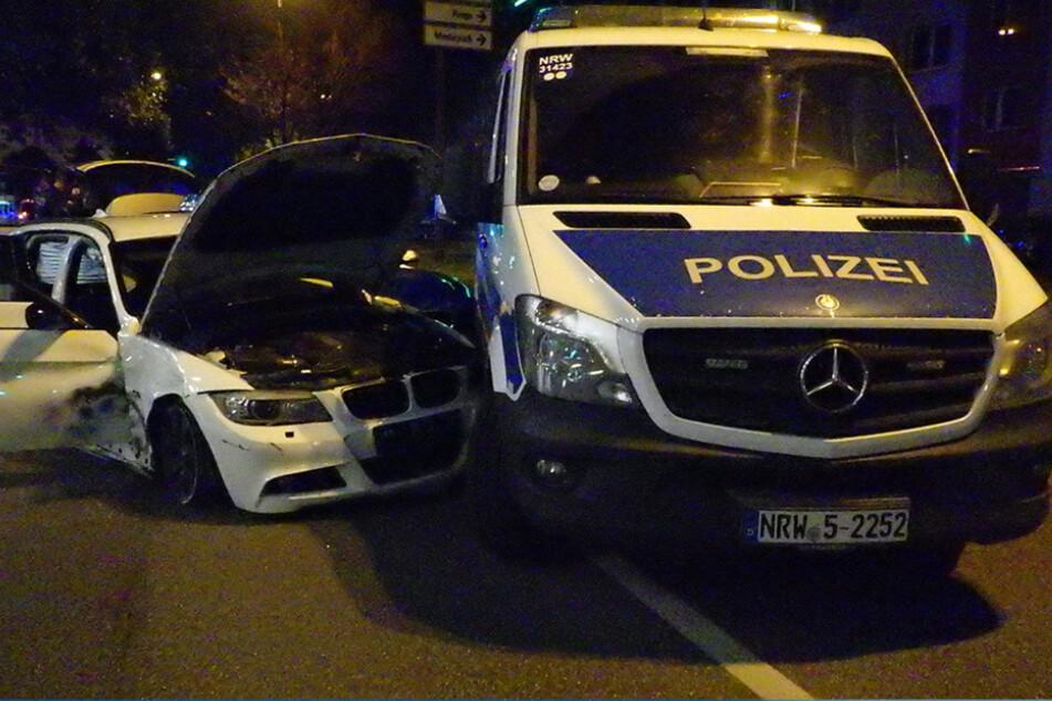 Mit 100 km/h durch die Kölner City: Flucht endet für Fahranfänger mit Unfall