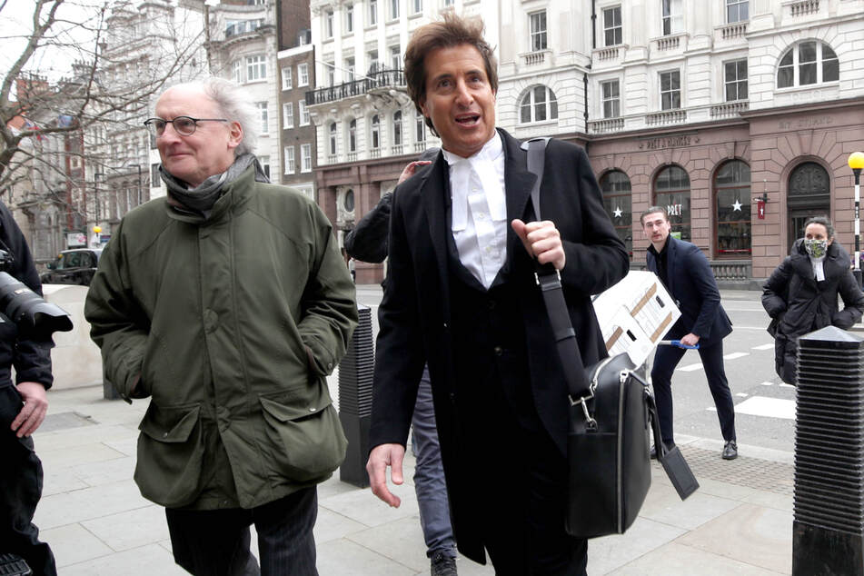 David Sherborne (r.), der Anwalt von Johnny Depp, kommt am Gerichtshof an.
