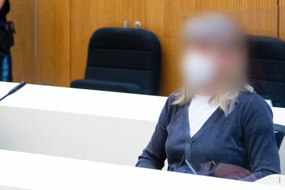 Kontakt zu NSU-Helfern? Geplante Anschläge? Frau steht vor Gericht