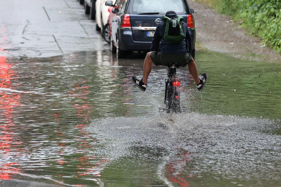Füße hoch als Radfahrer unter dieser Bahnunterführung!