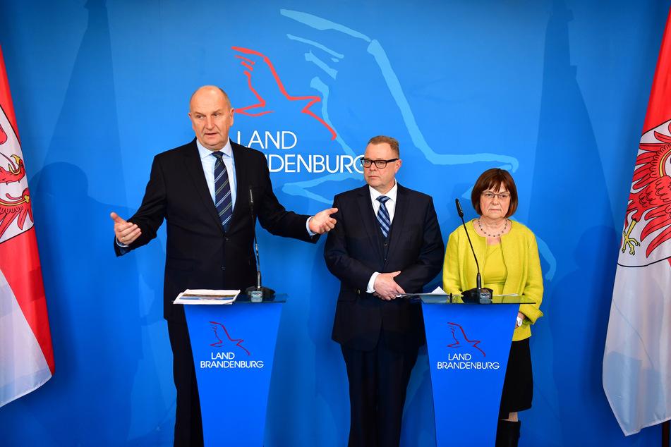 Die brandenburgischen Koalitionsfraktionen SPD, CDU und Grünen haben sich am Dienstag auf eine Verdopplung des Rettungsschirmes geeinigt.