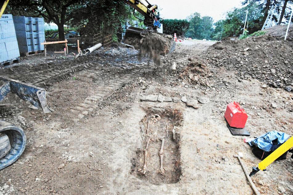 Binnen kürzester Zeit verwandelte sich seine Baustelle zu einem archäologischen Grabungsfeld.