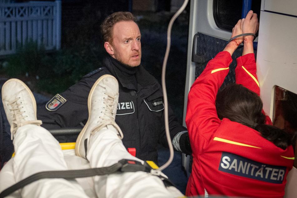 Soko Wismar: Sanitäter tot in Rettungswagen gefunden, Assistentin gefesselt daneben