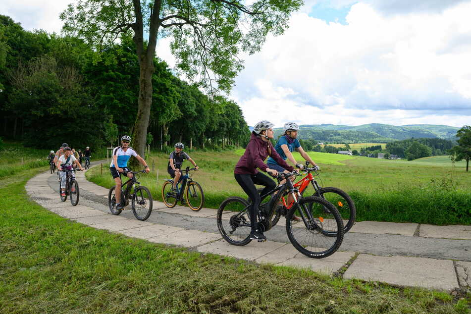 """Abenteuerfahrt mit dem Rad: Auf der neuen Strecke """"Blockline"""" ist das nun auf 140 Kilometern möglich. Gestern wurde sie in Holzhau (Erzgebirge) eingeweiht."""