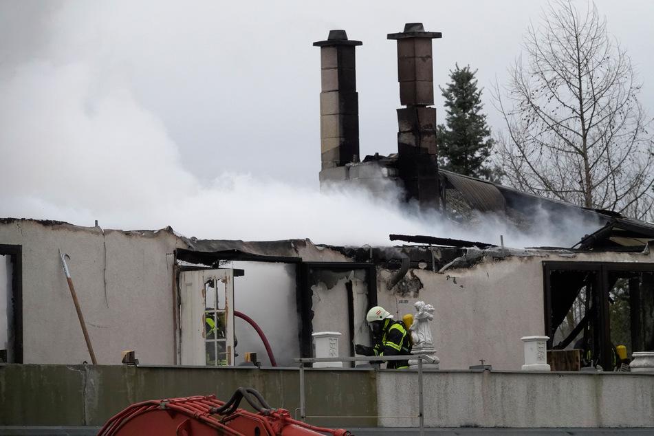 Großbrand im Erzgebirge: Wohnhaus in Flammen