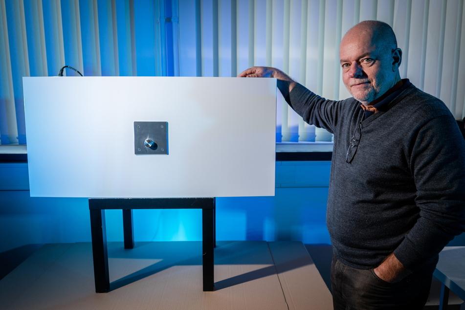 Firmenchef Manfred Hainzinger (60) will den Luftfilter aus Neukirchen im Dezember auf den Markt bringen.