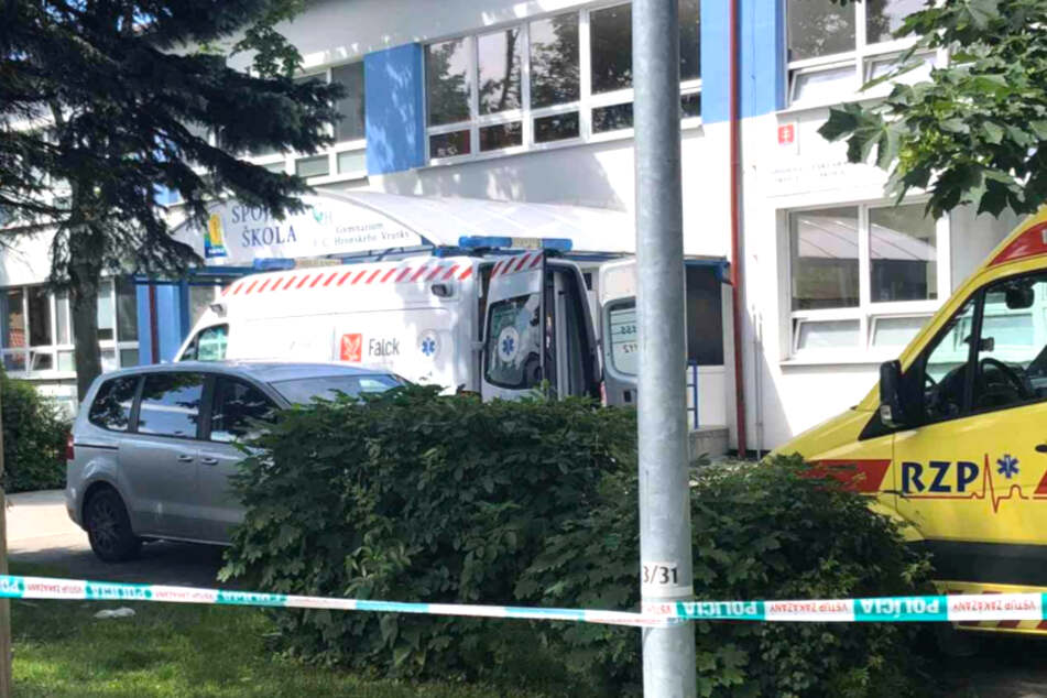 Polizisten töteten den Angreifer.