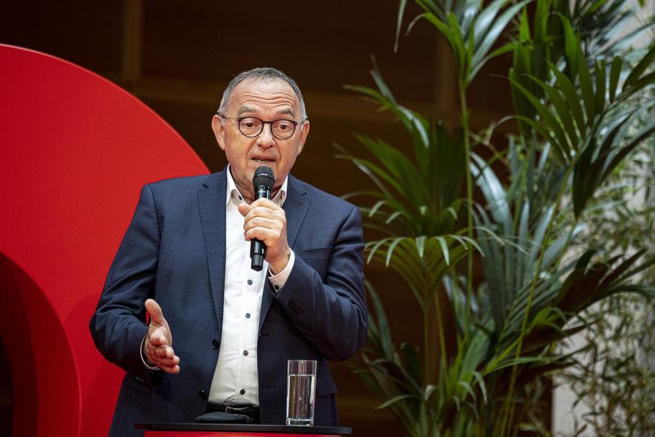 Norbert Walter-Borjans (68) ist SPD-Vorsitzender. Er kritisierte die Lockerungen in NRW.