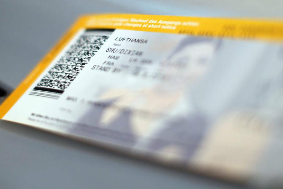 """Stornierungen würden aktuell von den Fluggesellschaften nicht bearbeitet und könnten damit auch nicht an die Kunden zurückgezahlt werden, sagte eine DRV-Sprecherin der """"Bild"""" (Symbolbild)."""