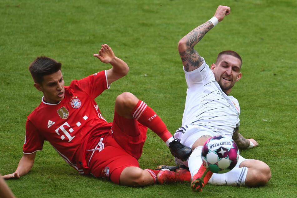 Robert Andrich (26, r.) im Zweikampf mit Bayerns Tiago Dantas (20). Unions Mittelfeldmotor war mit seinem Einsatzwillen einer der Erfolgsgaranten in der zurückliegenden Saison.