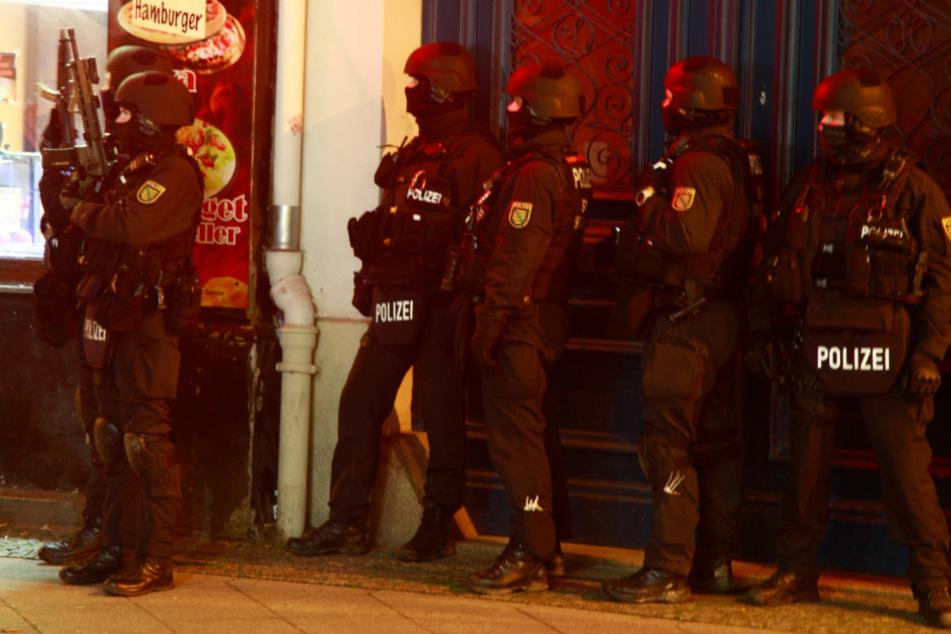 80 Beamte waren vor Ort im Einsat.