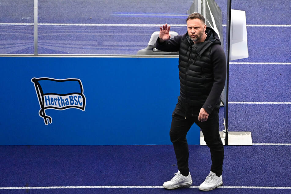 Hertha-Trainer Pal Dardai wurde positiv auf das Coronavirus getestet und befindet sich häuslicher Quarantäne.