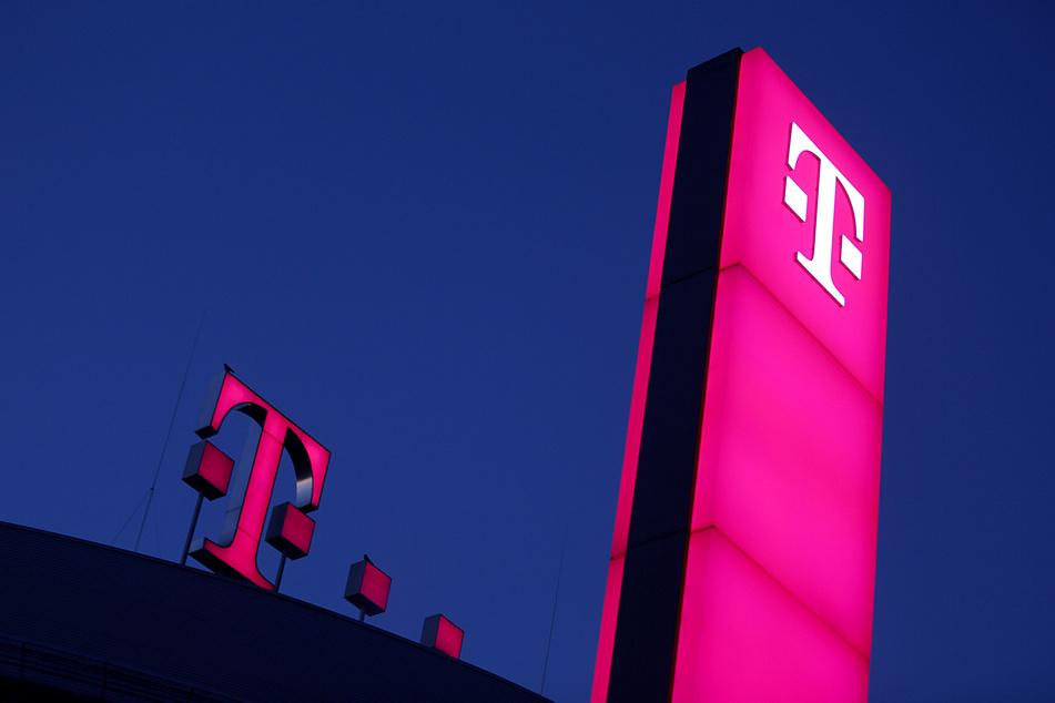 Telekom erhöht Jahresprognose und legt starke Zahlen vor