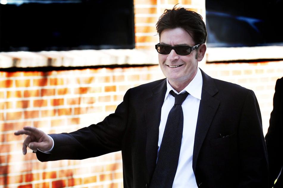 Charlie Sheen (54) scheint es immer besser zu gehen.