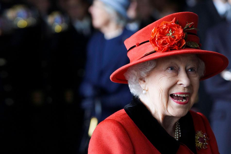 UK gears up for huge historic Platinum Jubilee weekend festivities celebrating the Queen