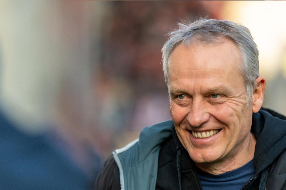 Freiburgs Coach Christian Streich hat durchaus Sinn für Humor (Archivbild).