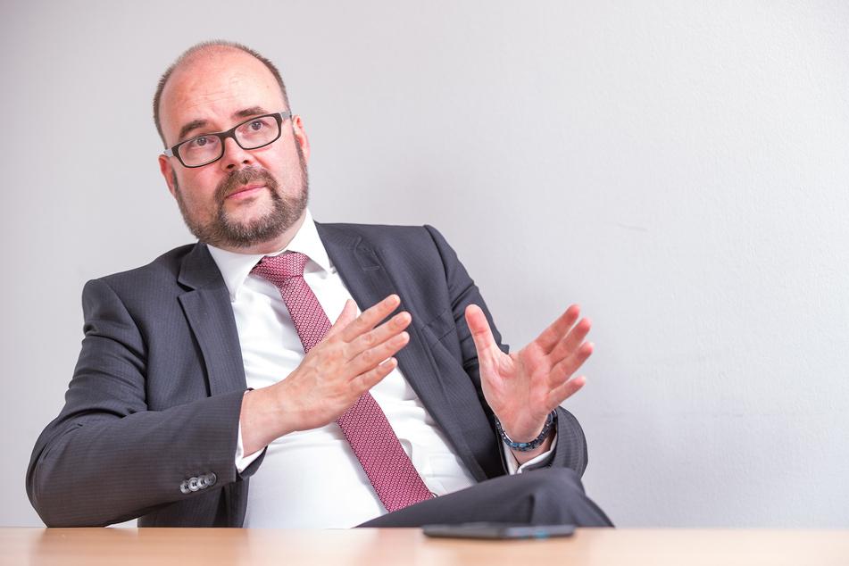 Kultusminister Christian Piwarz (46) im Interview. Der CDU-Politiker ist Vater von drei Kindern und seit Dezember 2017 Sächsischer Staatsminister für Kultus.