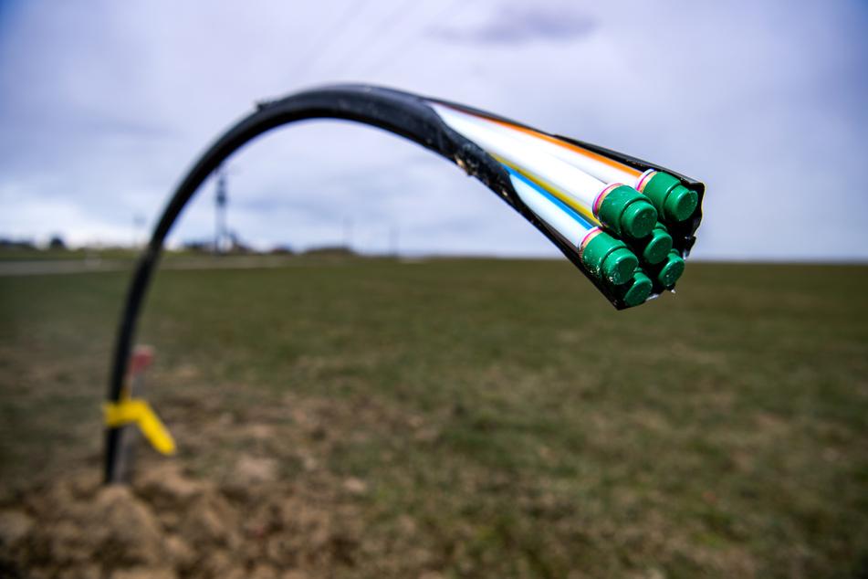 Beim Glasfaserausbau für schnelles Internet will die Telekom weiter vorankommen.